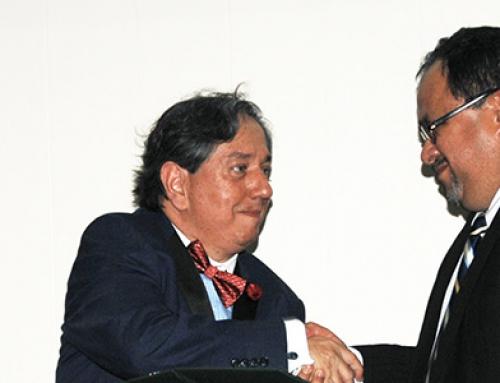 Reconocimiento de UCI al Dr. Álvaro Burgos Mata